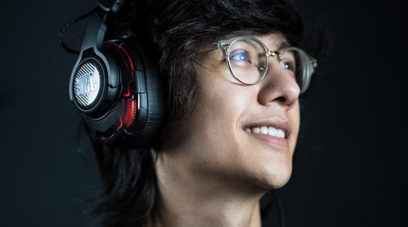 Mid laner do CBLOL, tinowns criou playlist em parceria com Spotify