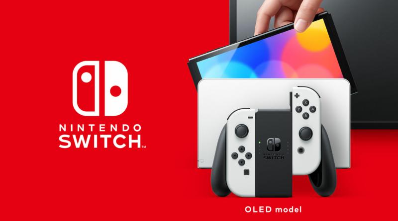 Imagem com fundo vermelho mostrando à direita o logo do Nintendo Switch. À direita, está o console com seu controle à frente e atrás uma televisão.